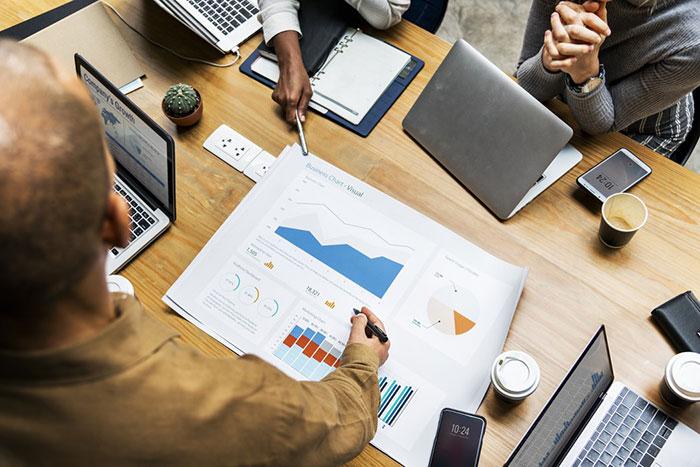 Кои са най-важните фактори, за успешното анализиране на пазара?
