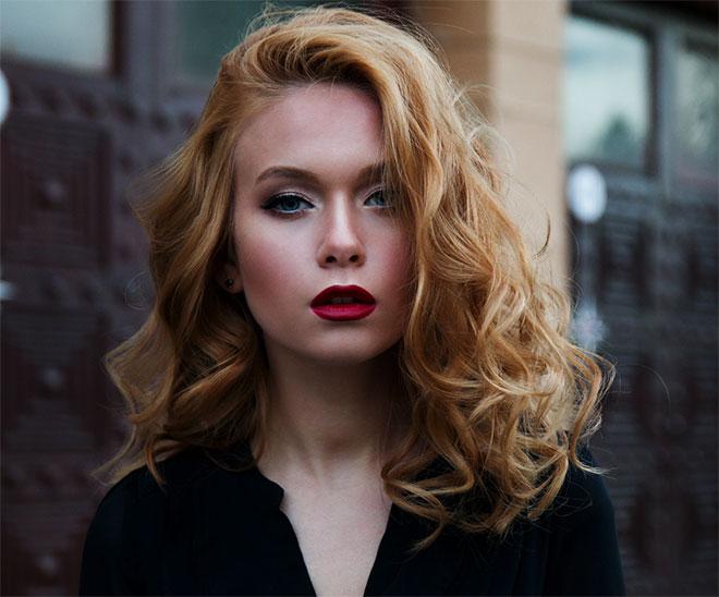 Как да изрежете косата във Photoshop (дори на трудни фонове)